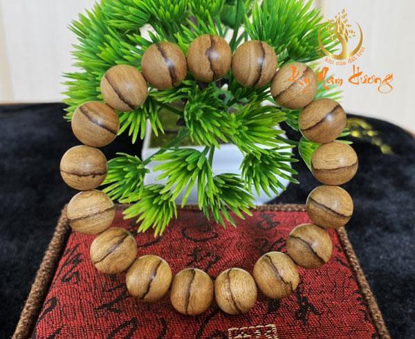 Vòng tay trầm hương - Banh 14ly