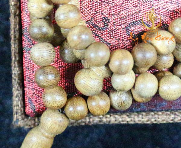 Chuỗi hạt cầu nguyện trầm hương