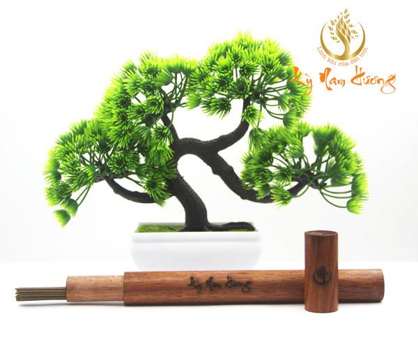 Ống gỗ đựng trầm hương thanh
