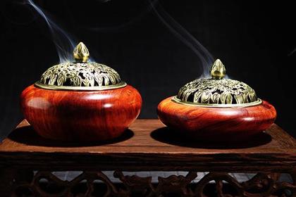 Xông nhà bằng trầm hương dịp lễ Tết